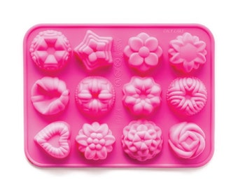 Mini Assorted Bundts Silicone Baking Mold