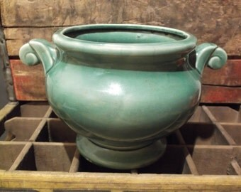 Large Vintage MCCOY POTTERY PLANTER - Green - McCoy Lancaster Pa