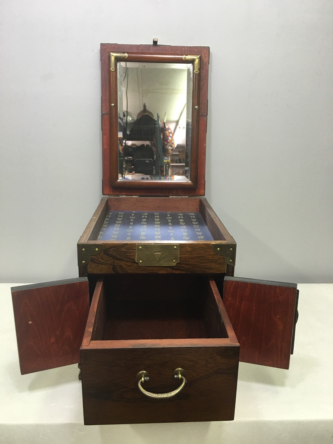 chinese box cosmetic box jewelry mirror wood handmade. Black Bedroom Furniture Sets. Home Design Ideas