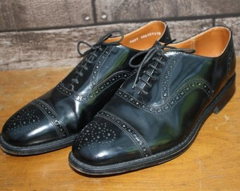 Richleigh black Oxford brogues. Vintage leather shoes. UK size 7. Wingtips. 1970s 1980s.