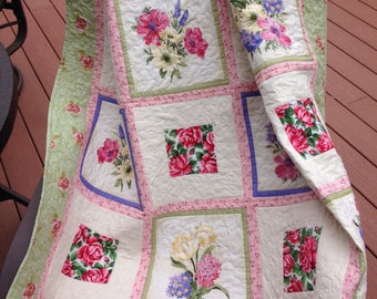 Floral bouquets and roses lap quilt, handmade