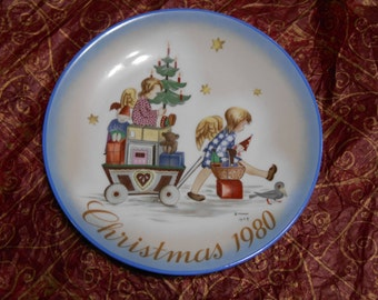 """Collectable Plate """"Parade into Toyland"""" By Sister Berta Hummel ,  Christmas 1980, Tenth Limited Edition,  Schmid 1979, West Germany"""