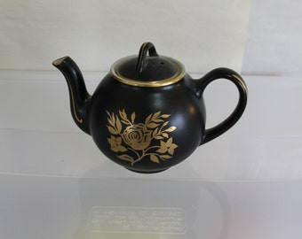 SALE This Heavy Duty Tea Pot is Gorgeous, Tea, Drinks, Home Decoration, It Has a Lid w a Hole for Use, Steaming, Gold Decor, Number 0045