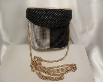 Vintage Whiting & Davis Black, Silver, Gold Bucket Style Purse