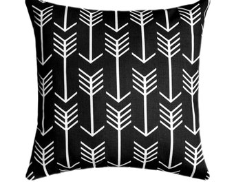 Arrow Pillow Cover, Black and White Throw Pillow, Arrow Black Decorative Throw Pillow Cover, Arrow Black Pillow Cover, Arrows Accent Pillow