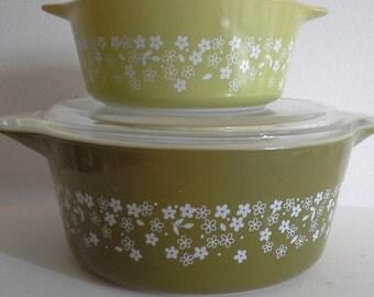 Pyrex Spring Blossom Avocado Green Bowl with lid