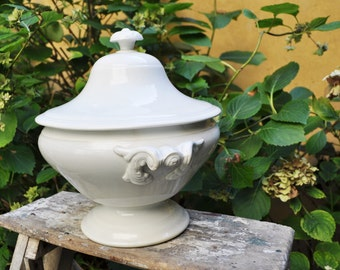 Antique white Tureen with its lid from LUNEVILLE Factory / French ironstone bowl / Vintage Tureen / French Decor