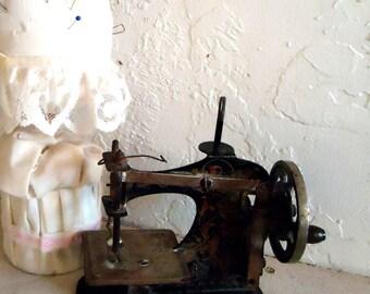 Vintage Childs Sewing Machine