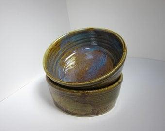 Set of 2 stoneware ramekins