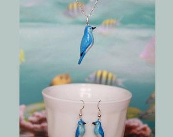 Mountain bluebird set of pendant and earrings (Sialia currucoides)