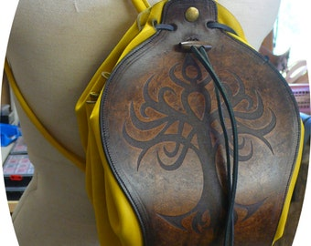 Yggdrasil scholarship backpack in leather engraved and colored