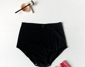 Black Minimalist Lingerie: Pin Up Knickers with High Waist and Classic French Cut - Cotton Panties Reaching Natural Waist