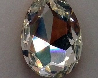 4320 Swarovski Austrian Crystal Tear Drop 20x30 mm