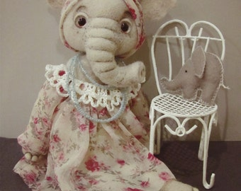 Elephant Liza (felted doll)