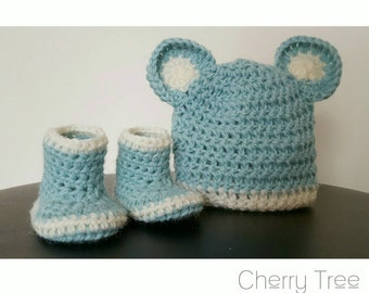 Booties and Beanie with Bear Ears - 100% Pure Australian Wool (Spearmint/Cream)