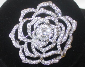 ROSES ARE RED - beautiful clear rhinestone rosette brooch