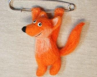 Felted foxl brooch.  Needle felted brooch. Hanging Needle-felted fox Kilt-pin Brooch. Needle felted animal. Red fox. Little cute fox. Foxy.