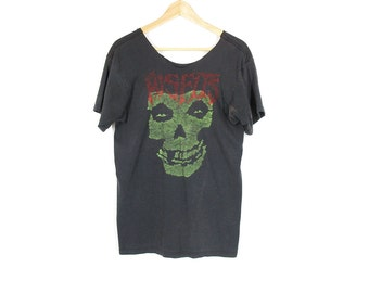 Vintage Misfits T Shirt -- Distressed Punk Band Tee -- Crimson Ghost Skull -- Size M
