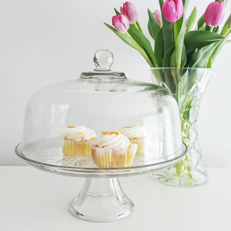 vintage cake stand with dome cover large glass pedestal cake. Black Bedroom Furniture Sets. Home Design Ideas
