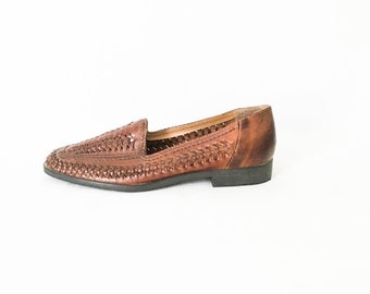 Brown woven leather shoes size 7 - Women's woven leather shoes - Slip on dress shoes - Boho leather flats - Women's size 7 shoes