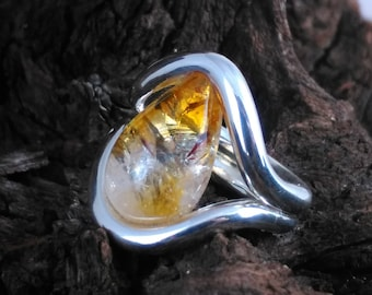 Silver and Citrine cabochon ring, handmade by InFusion Jewellery