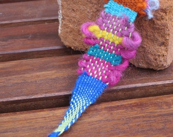 Handwoven Freestyle Keychain -- Multicolored