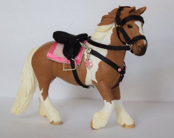 NEW WITH CHARM! English Riding Set for the 2015 Schleich Tinker Mare