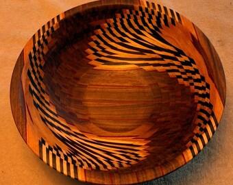 Bird's wing illusion bowl