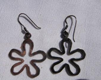 sterling silver 925 Flower pierced earrings vintage sterling silver earrings , jewelry groovy wild flower earrings, shappy chic, hobo, 1980s