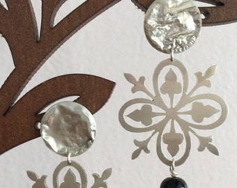Vintage bridal chandelier earrings, wedding earrings, wedding jewelry accesories, hand sawn earrings, bridesmaids earrings, vintage style
