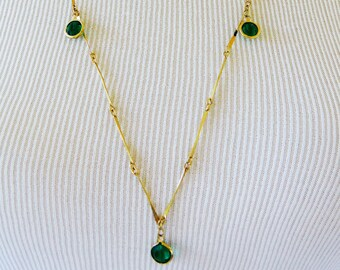 Vintage Rhinestone Station Necklace, Station Necklace, Chain Necklace, Rhinestone Necklace, Green Rhinestone, Gold Tone, 80s Necklace