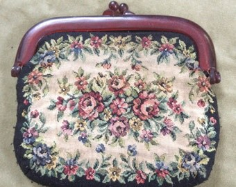 Charming Vintage Tepastery Purse
