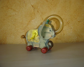Jouet Fisher Price Toys. Juggling Jumbo. Walt Disney.  No copy. East Aurora. 735. Vintage. France