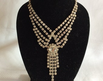 Vintage rhinestones evening necklace chic and fancy fashion pendant jewelry