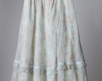 Vintage 1980's Light powder blue floral Gunne Sax peasant skirt