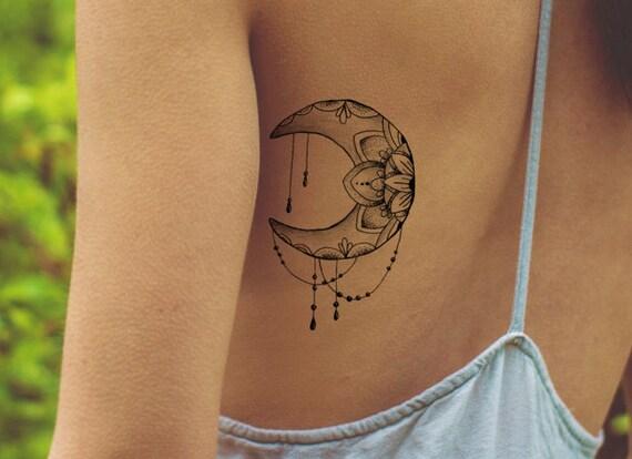 lotus tattoo nep tattoo vrouwelijke tatouage tattoo maan. Black Bedroom Furniture Sets. Home Design Ideas