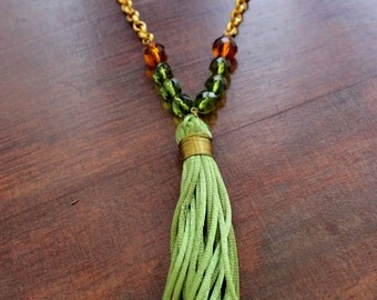 FRINGE green long necklace