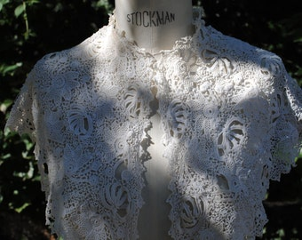 Large lace collar 1920
