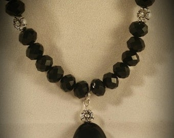 Elegant Black Necklace with Flower Beads