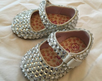 Stunning infant New Crystal Cinderelka shoes - sz 2!