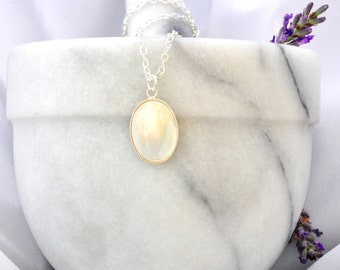 Mother of Pearl Necklace- Oval Mother of Pearl Pendant- Mother of Pearl Jewelry- Mother of Pearl Jewellery- Handmade- Birthday Gift- N24