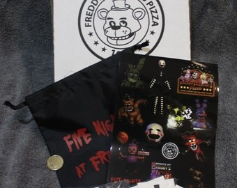 FNaF Pizza Box 15 Party Packs FIVE NIGHTS at FREDDYS