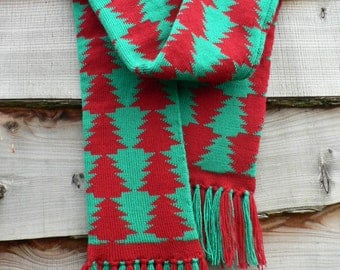 Knitted Christmas tree patterned scarf, handmade, Christmas gift, winter fashion, festive