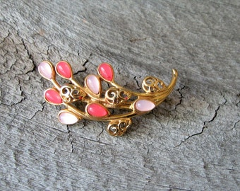 signed Trifari brooch . pink floral bouquet pin . vintage Trifari jewelry . thermoset plastic, thermoplastic
