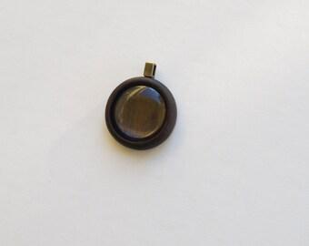 Artisan quality hardwood pendant blank - Walnut - 30 mm - Brass Bail - (Z303-W)