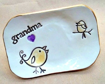 Ceramic Grandma with 1 birdy Trinket  Dish edged in gold mothers day