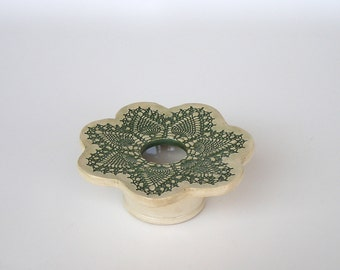 Petite Doily Lace Ikebana Pottery Vase . green