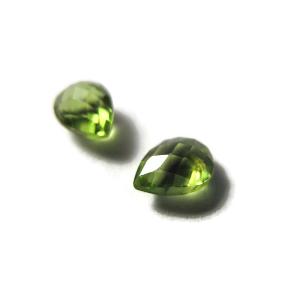 Two NON DRILLED Peridot Gemstones, Matching Bright Green Stones for Making Jewelry & Setting, 8x6mm Teardrop Gemstone (Luxe-Nd1e)