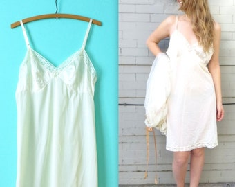 1960's Ivory Nightgown // 60's White Slip // Size Large // Nylon // Women's Large Slip