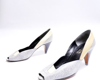 Size 38// 80s Peep Toe Black Yellow and White Medium Heels Shoes // 112
